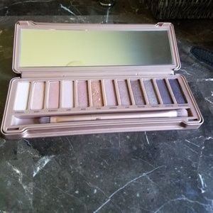 Urban decay Naked 3 pellet